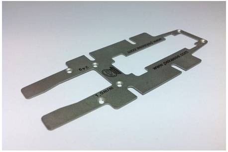 Metalic base 1/24 of 1mm for linear fibre chassis