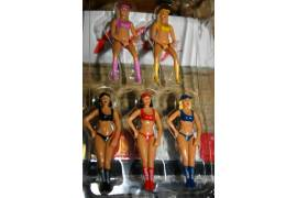 Girls figures (5 PCs)